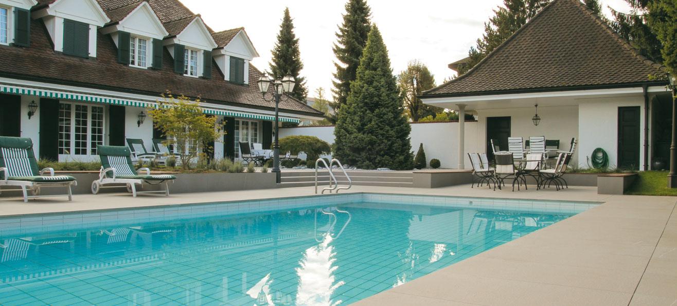 Pavimenti e piastrelle per piscine mirage for Pavimenti per piscine