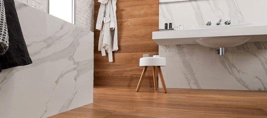 Effetto legno in bagno se gres porcellanato ancora - Bagno con gres effetto legno ...