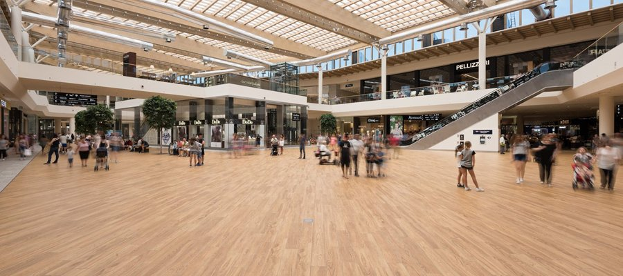 Arese shopping center l int rieur du plus grand centre for Centre commercial porte d italie