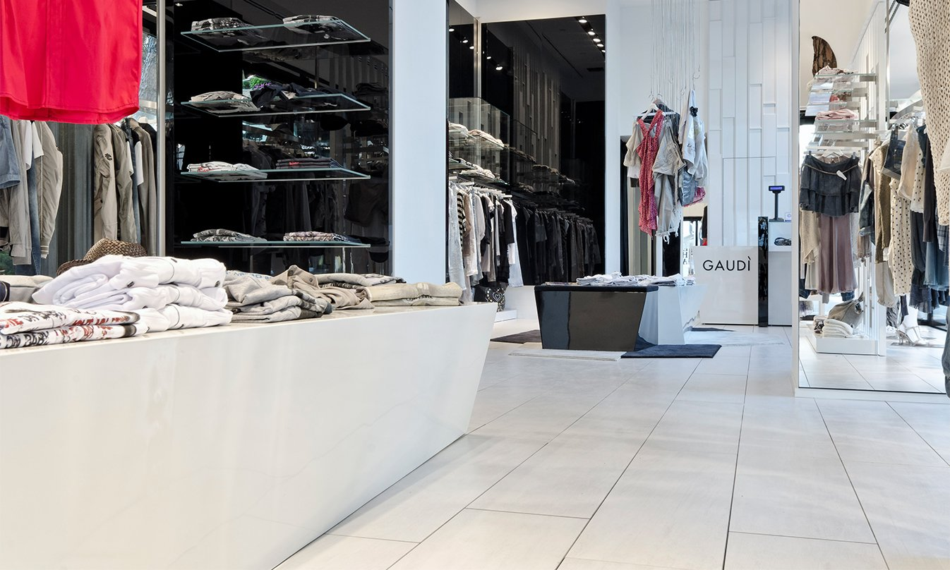 ae13d21a75305 Gaudi temporary shop mirage jpg 1346x808 Gaudi shop