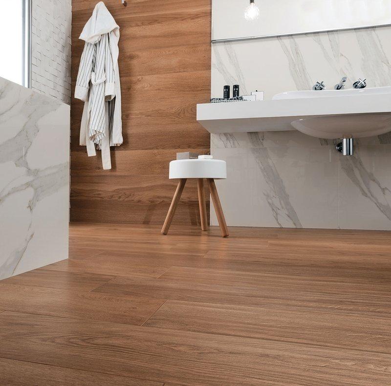 Bagno effetto legno collezioni jewels e signature mirage - Bagno pavimento legno ...